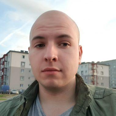 Роман Комяков